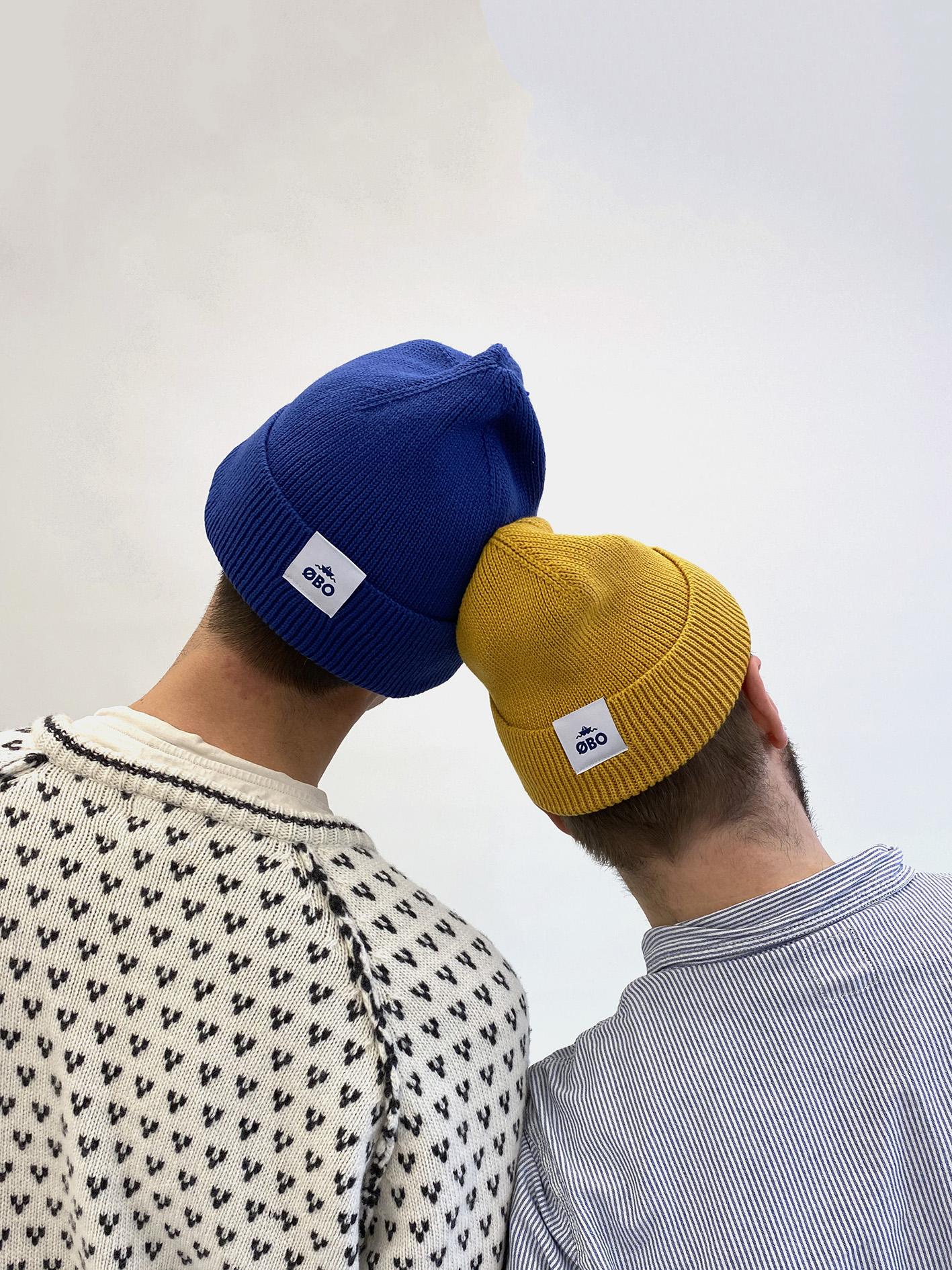 Blå og gul beanies - ØBO